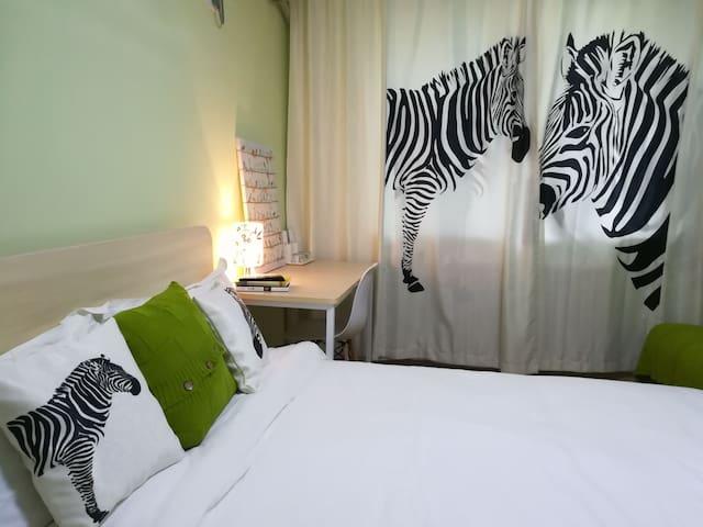 【栋】设计师的文艺家一间卧室,临近天安门南锣鼓巷 中戏