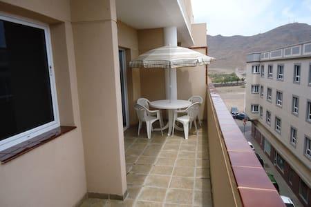 ATICO FORTE VENTURA II.  A 80 M. DE LA PLAYA. - Gran Tarajal - Apartamento