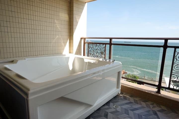 汕头南澳豪华玉珑湾180°全海景大浴缸公寓民宿大床房沙滩海鲜交通便利