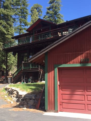 Get Away on the North Shore of Lake Tahoe - Kings Beach - House