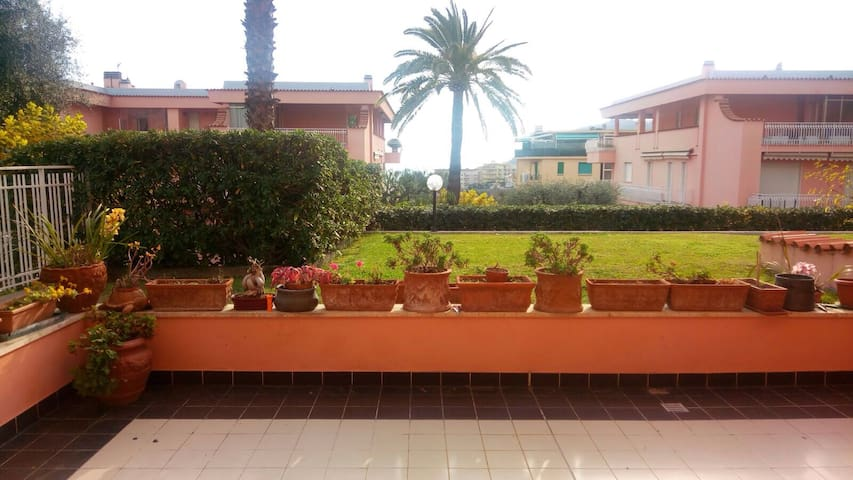 Splendido appartamento con terrazzo  nel verde - Sanremo - Departamento