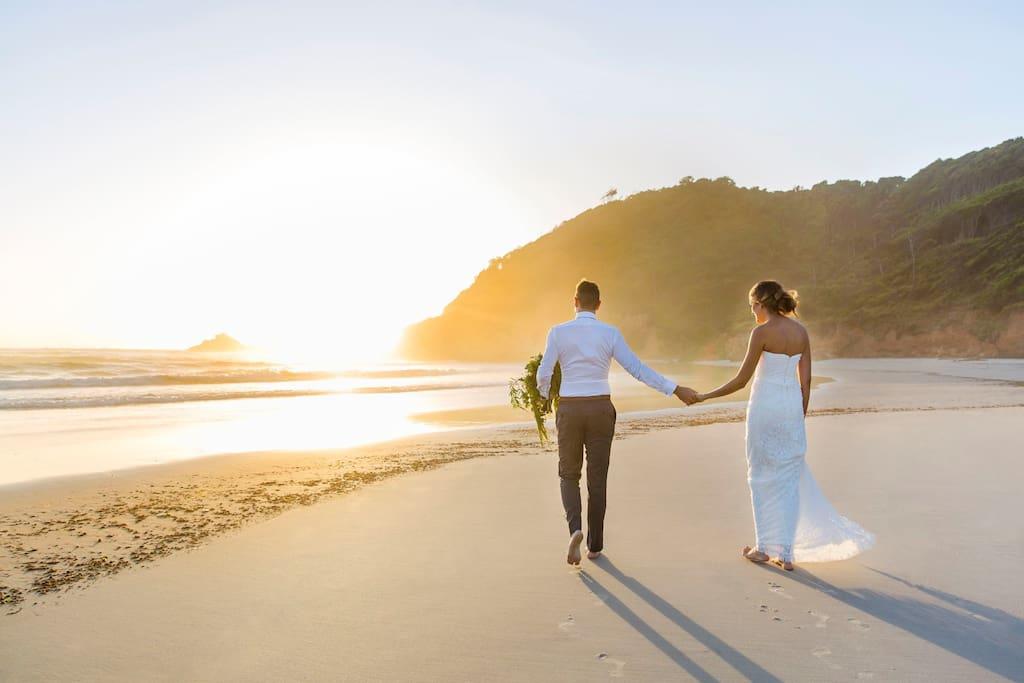 Pavilion 2 - Wedding couple on beach 2