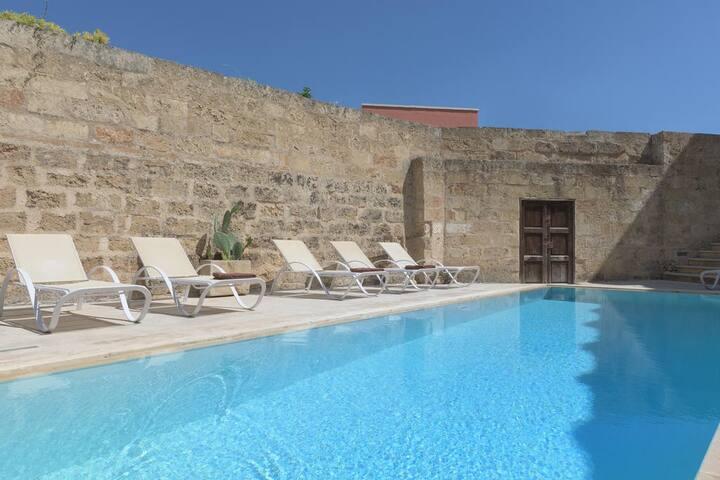 Appartamento PISCINA nel Palazzo con piscina