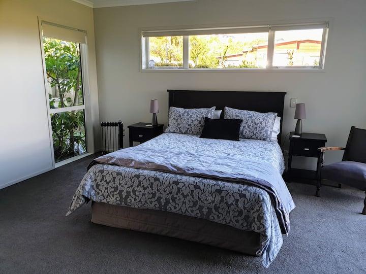 Lochview - Main Bedroom