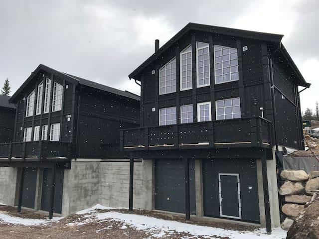 Sentralt i Fageråsen - ny hytte med høy standard