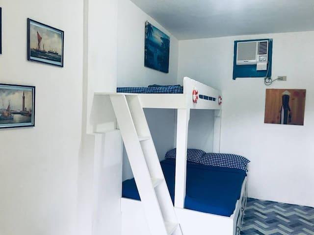 Camiguin Blue Lagoon: Triple Aircon Room