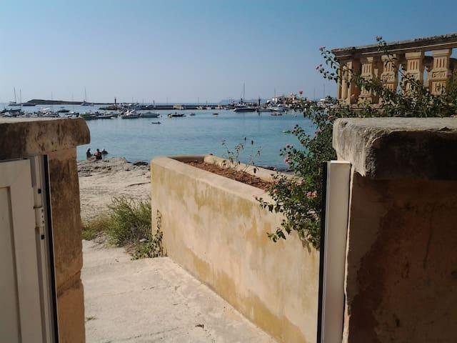 Apt.  Colònia Sant Jordi con acc. directo a playa. - Colònia de Sant Jordi - Kondominium