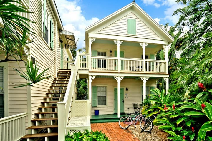 Cottage w/ shared pool, private hot tub, & street parking - Dogs OK!