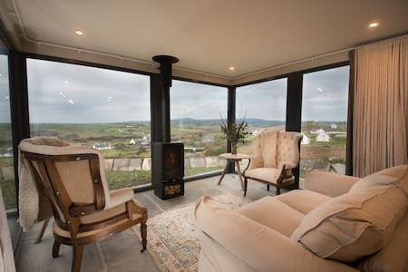Elfin Cottage -Modern and beautiful Eco Cottage