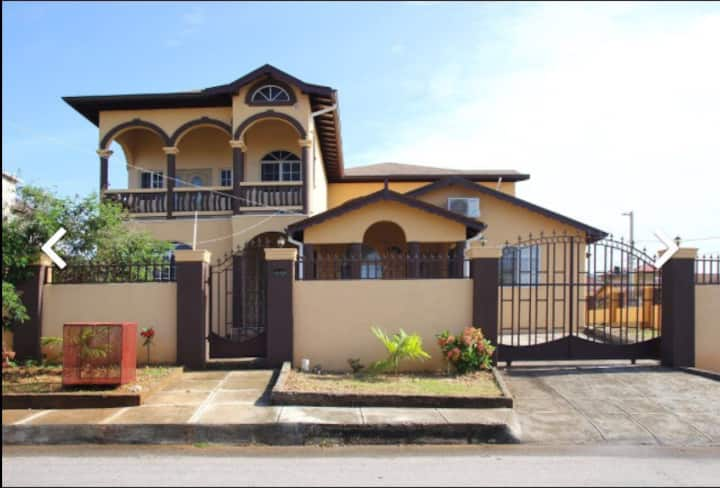 2 BED / SELF CONTAINED APARTMENT: