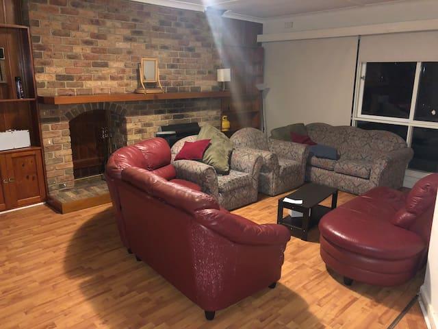 Melbourne Single family home Near Deakin Burwood