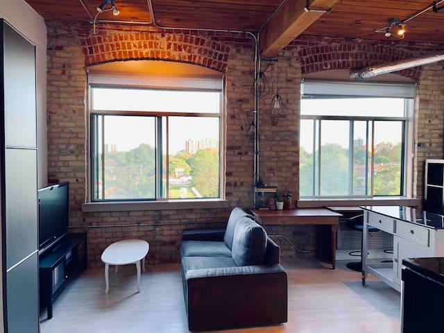 Charming studio loft in trendy Queen West
