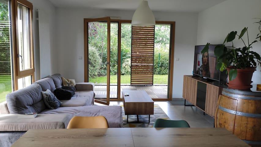 Chambre privée en rez de jardin
