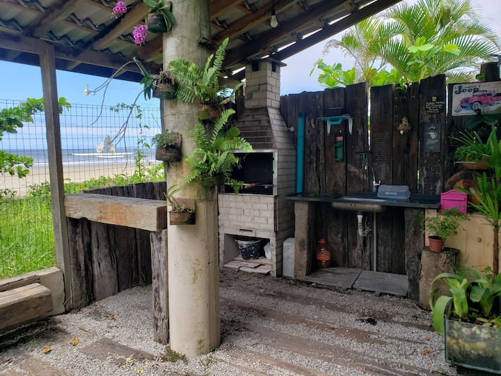 Casa de praia pé na areia-Bertioga