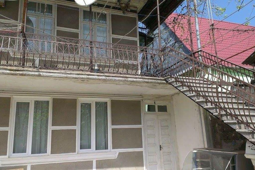 двух этажный частный дом
