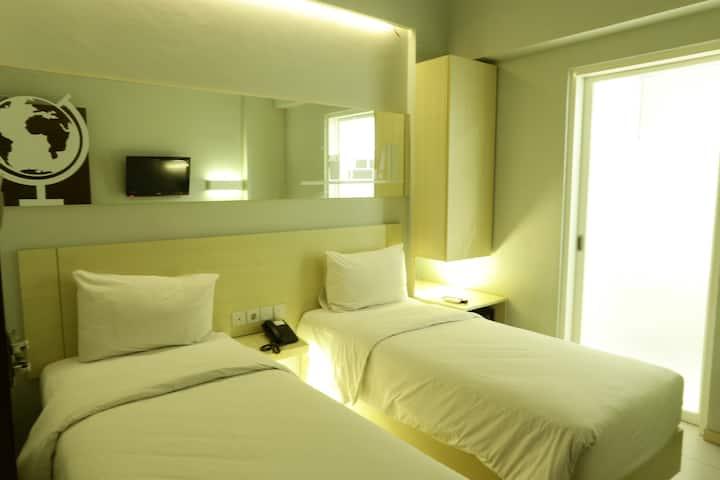Cleo Hotel Basuki Rahmat - Twin Biz Room