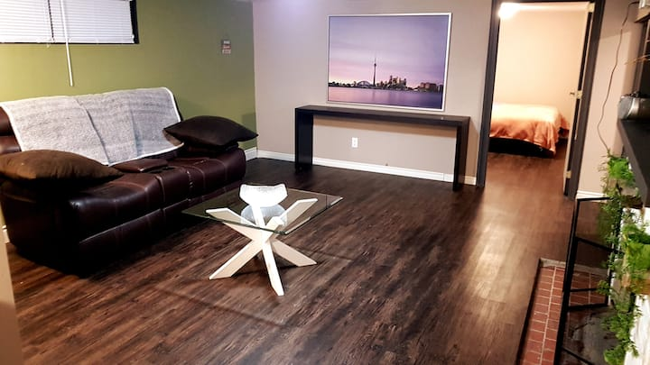 Make Yourself Feel @ Home  (Downtown Richmondhill)