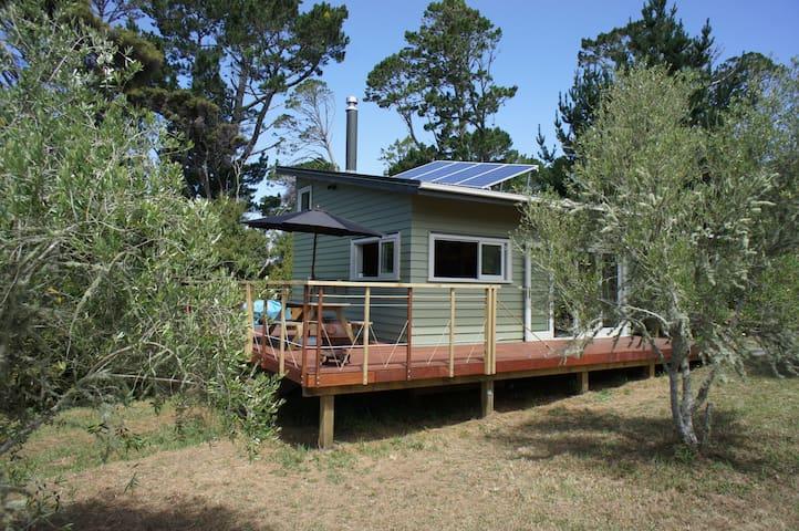 Matakana Vineyard Eco Cabin - Matakana
