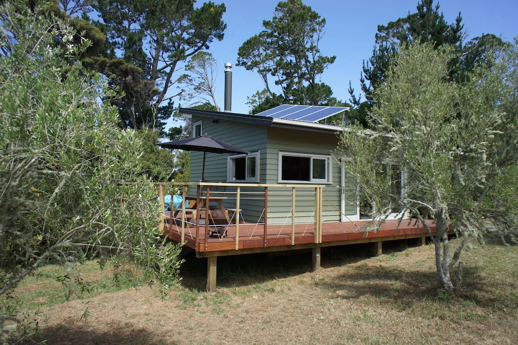 matakana vineyard eco cabin cottages for rent in