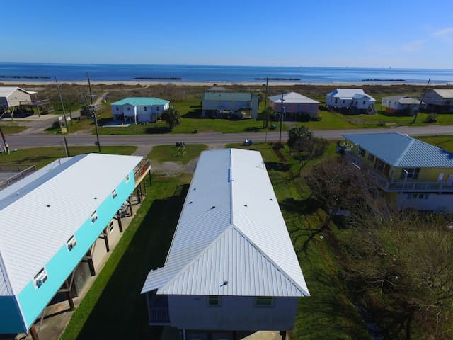 On Island Time is across from the Grand Isle Beach and sleeps 10 - Grand Isle - Illa