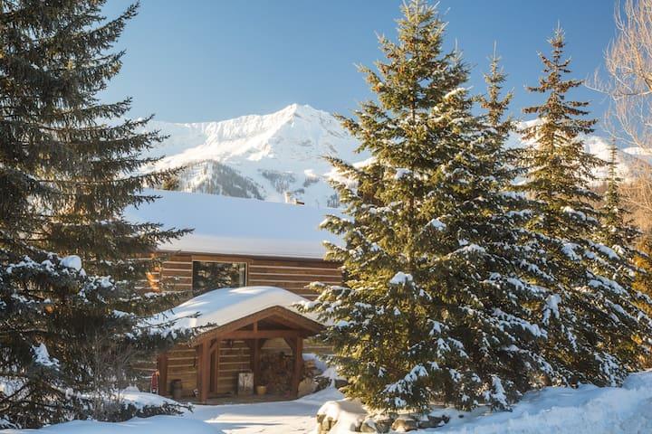 Canadian Powder Tours Lodge,MARCH DEALS