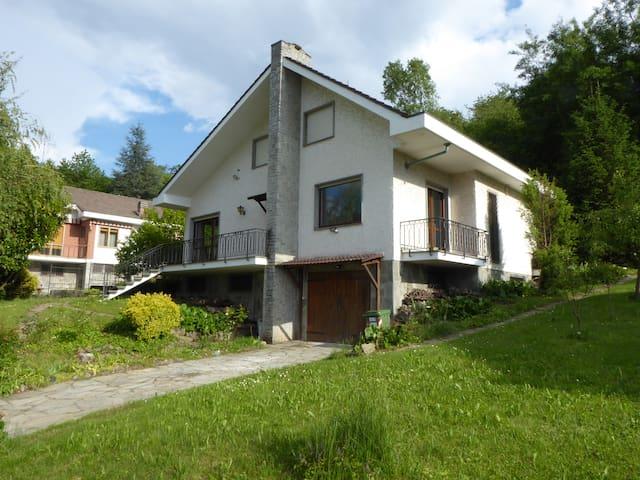 Villa con giardino alle porte di Torino e Valsusa
