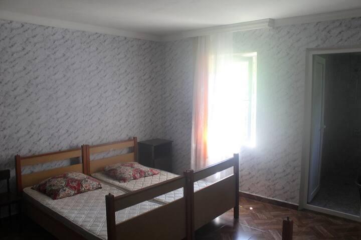 Levaniko House