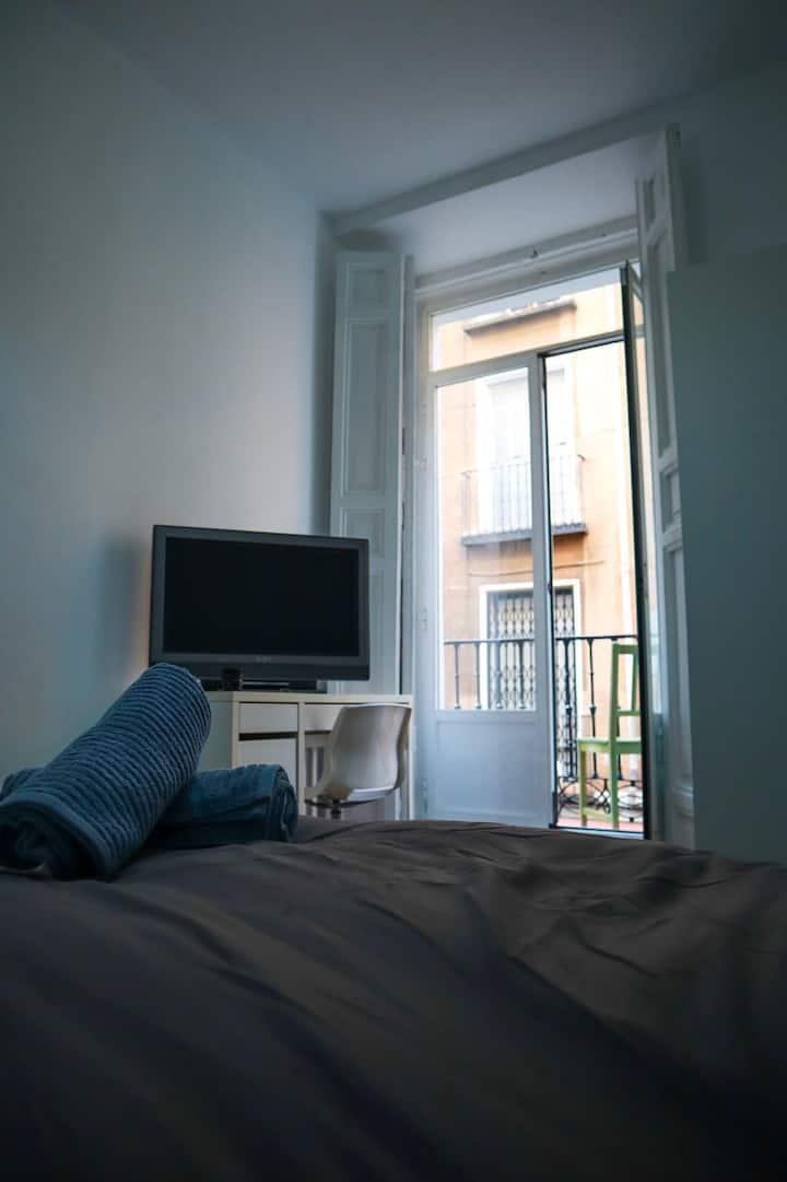 Cómoda y linda habitación en la sierra.