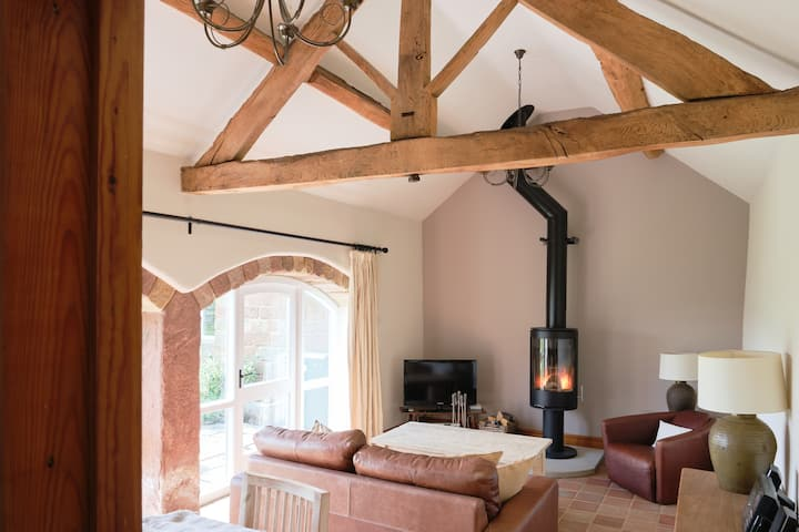 Swallow Barn - Perfect for a romantic retreat