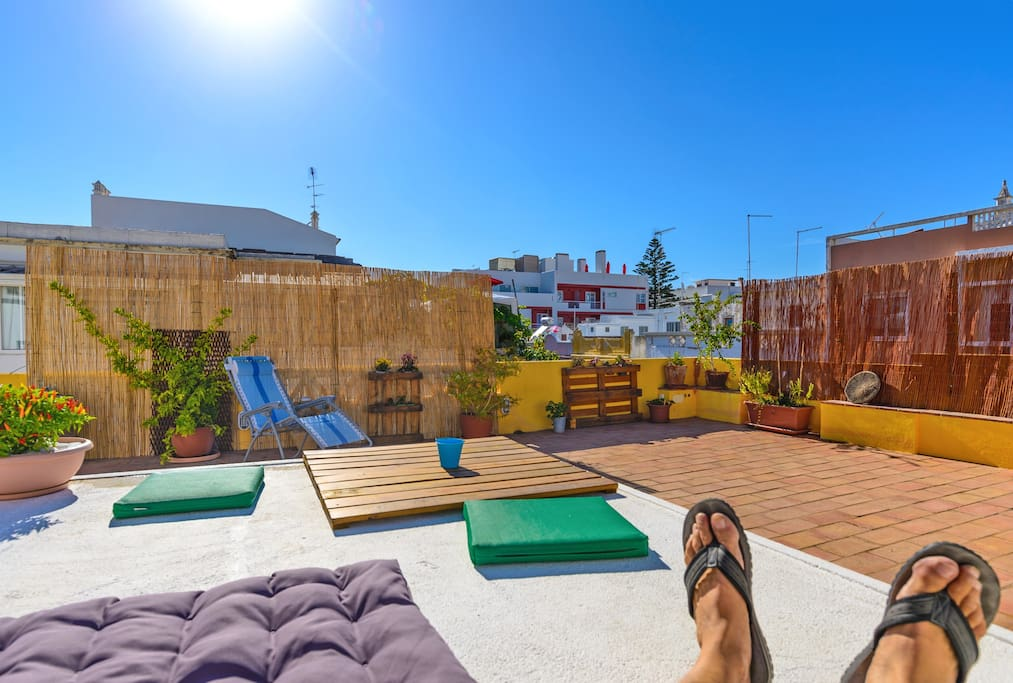 Shared terrace/rooftop (30 square meters)