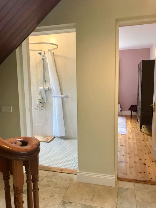 Wet room and Lilac Room