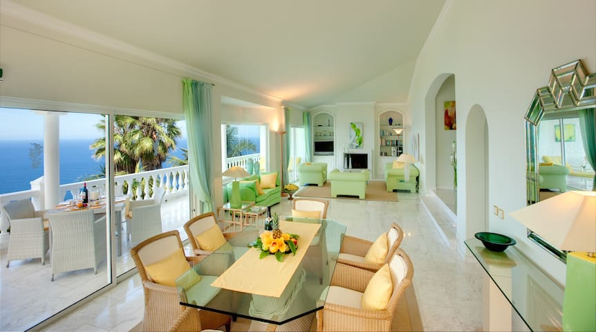 Grand Villa with Spectacular Sea View