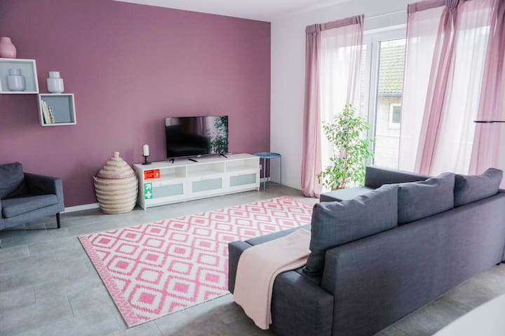 #4 Spacious apartment for 2+2+2 guests (3 ROOMS!)