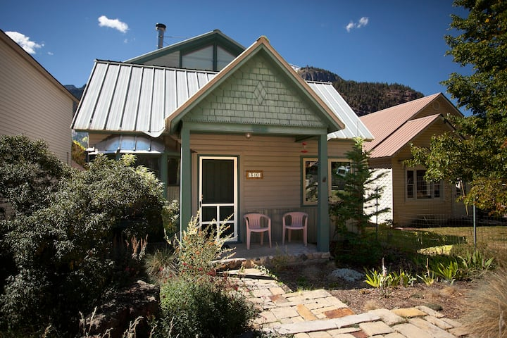 Heart of Ouray - Walk to Downtown - Garden Cottage