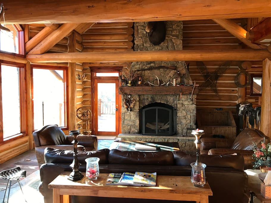 Beautiful family room w/ wood burning fireplace