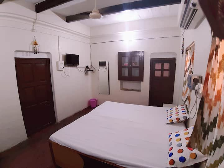 RAM NIWAS.2..LANKA( Heritage of BENARES) ASSI Ghat
