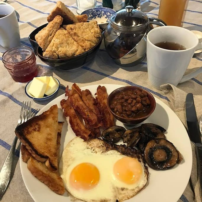 1 English Breakfast included, American Breakfast daily served at 9-10 am. Special dietary needs welcome.5t