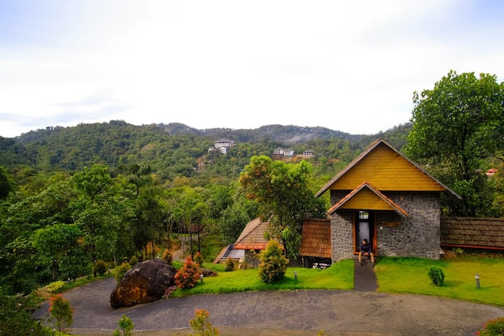 The Wild Trails Munnar With Honeymoon Cottage