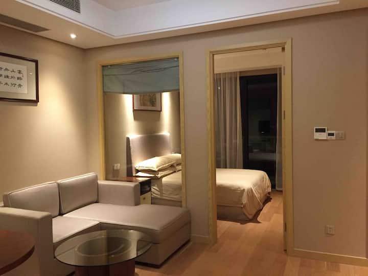 绿城朱家尖东沙度假村两室一厅套房山景带两落地窗
