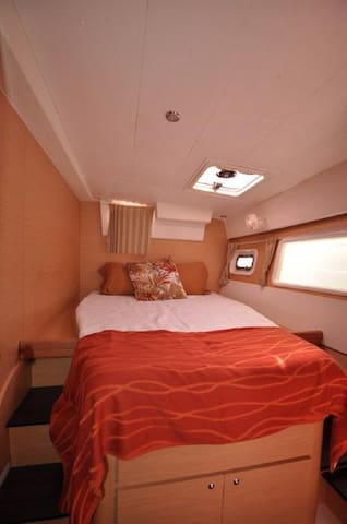 Beautiful Bedrooms in a Yacht - Oakland - House