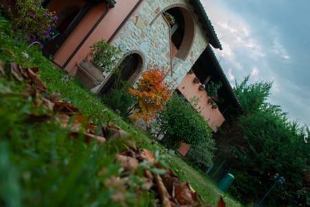 Antico Borghetto: camera matrimoniale 2