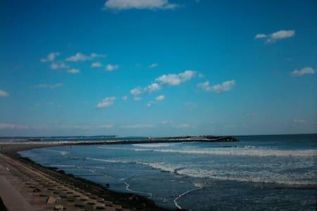 無料駐車 海近 wiFi  一人旅  BBQ  グループ サーフィン、海鮮料理、バイク ツーリング、 - 匝瑳市 - Haus
