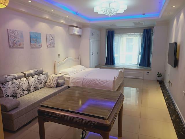 【恋尚民宿】万达公寓短租 日租房 民宿 密码锁自助入住|大床房|双床房|榻榻米|电热炕