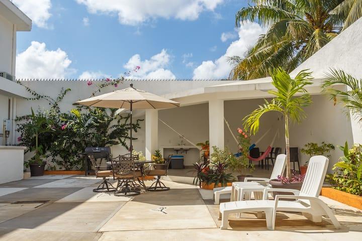 Casa Toloc Cozumel- Cozy house downtown Cozumel