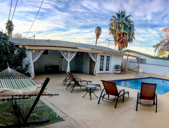 Beautiful 4 Br 3 Ba home with Pool near the strip!