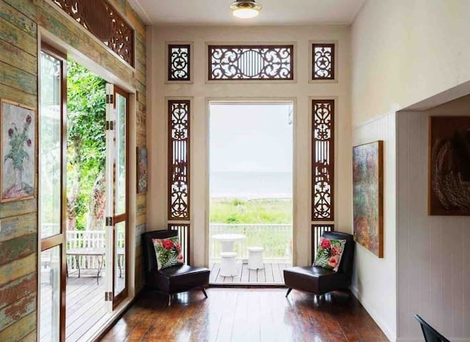 Sea view • 4BR • ARTIST Pool Villa for 14pax