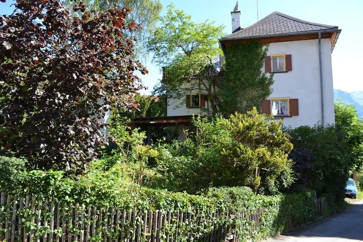 Urlaubsplatz im Bergland - Malix - Hus