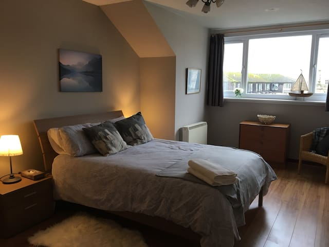 Cosy 2 bed apartment in the centre of Helensburgh