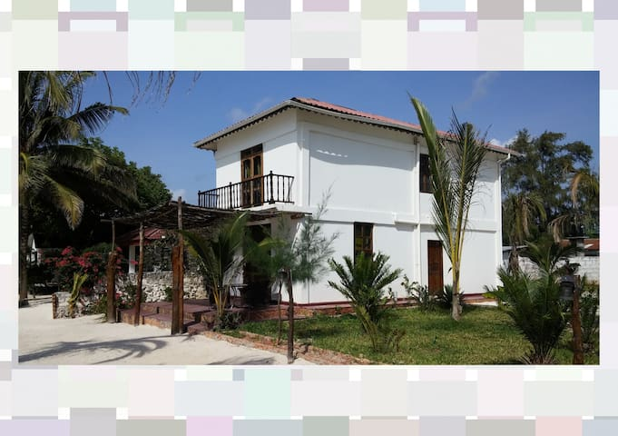 Moonshine Villa Ocean Front 7 Pax - Uroa - Villa