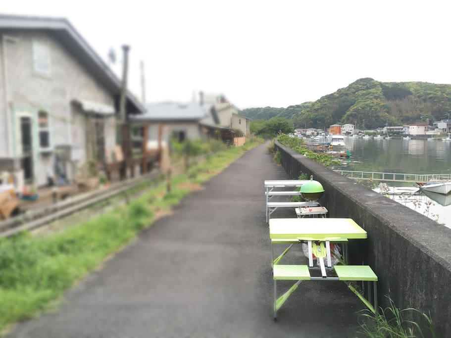 川沿いでゆっくりと、BBQも可 Slowly along the river, BBQ also acceptable